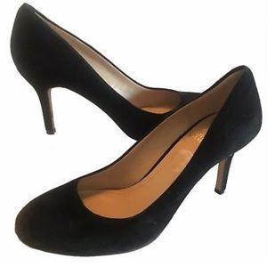 VINCE CAMUTO Black Suede Round Toe Pumps Heels 9